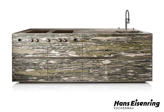 Naturstein-Kücheninsel ST-ONE der Hans Eisenring AG